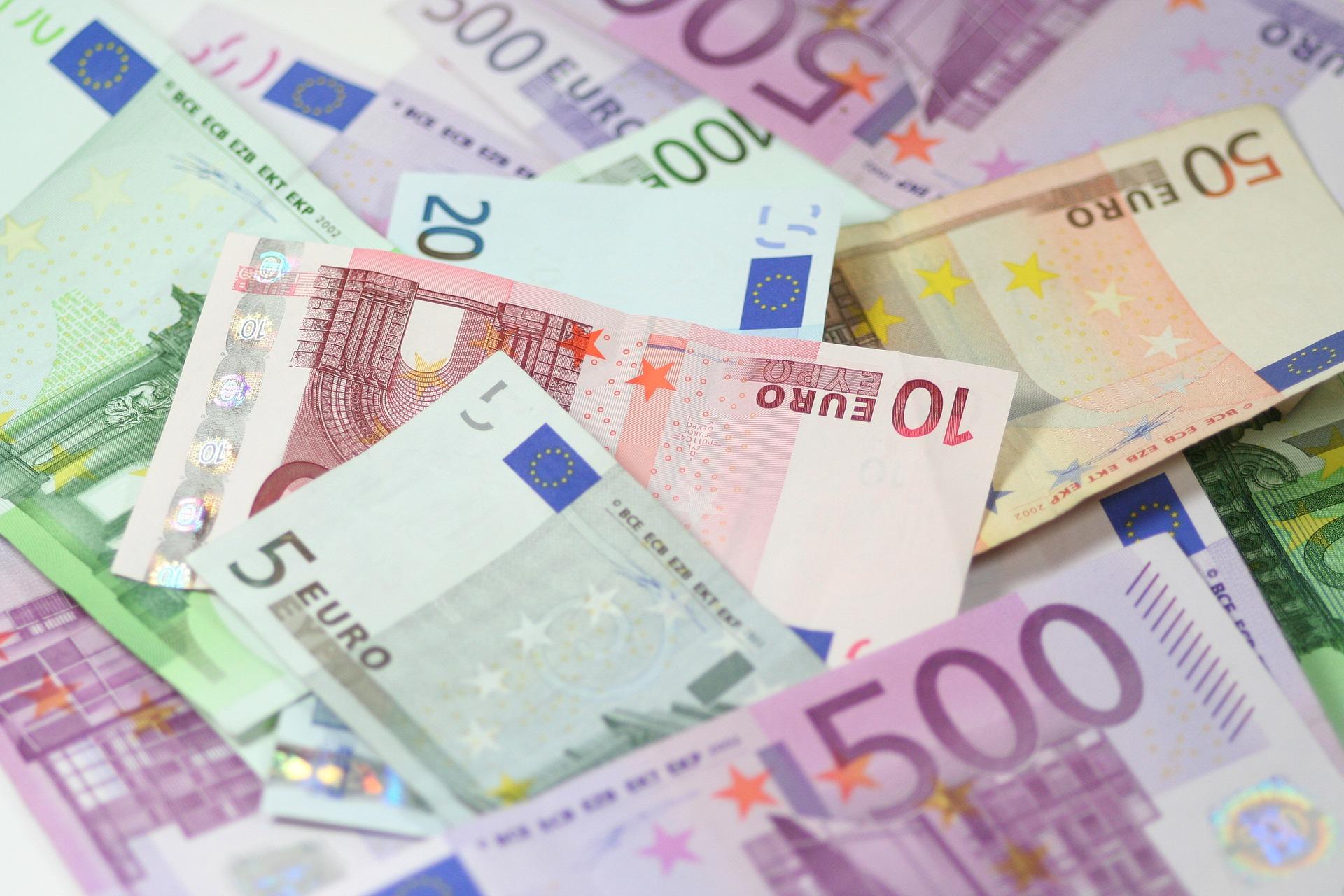 Bargeld ist unter Beschuss und soll daher Verfassungsrang erhalten!